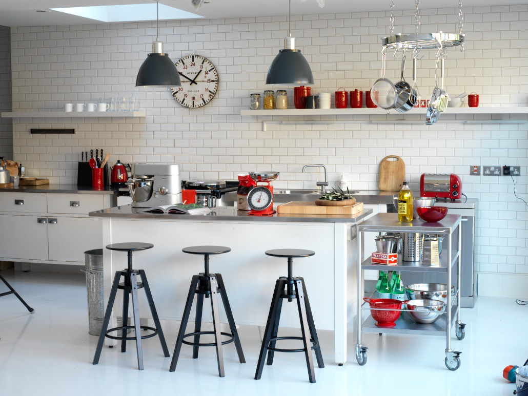 10 stylish ways to style your kitchen sophie robinson for Industrial style kitchen chairs