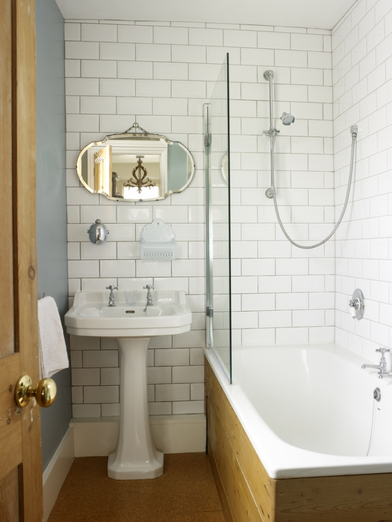 blue vintage bathroom by Sophie Robinson. Photograph by rachael Smith