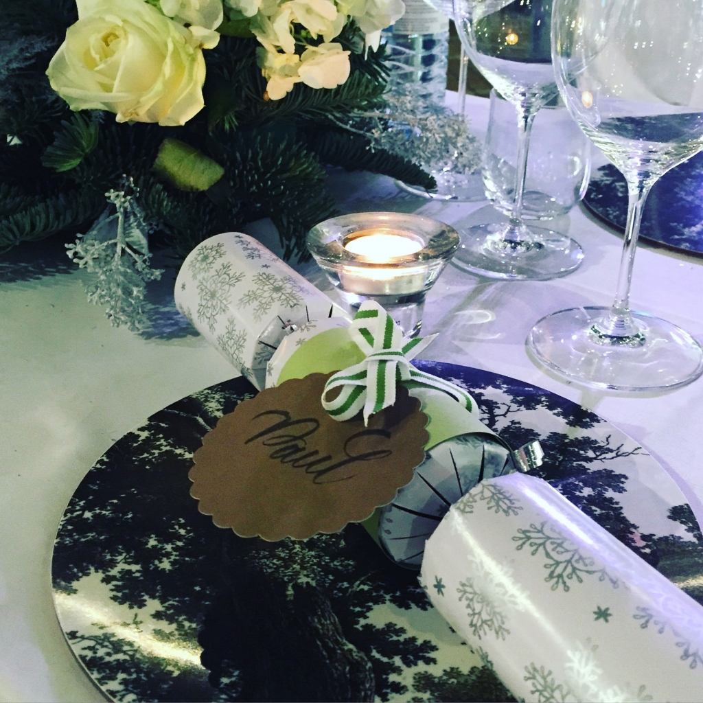Sophie Robinson table-setting-Christmas-cracker
