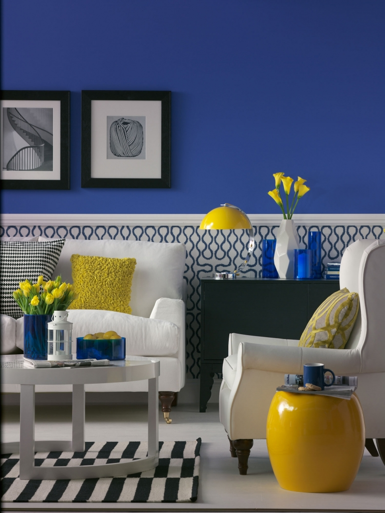 blue, yellow and white living-room-designed by interior designer sophie robinson