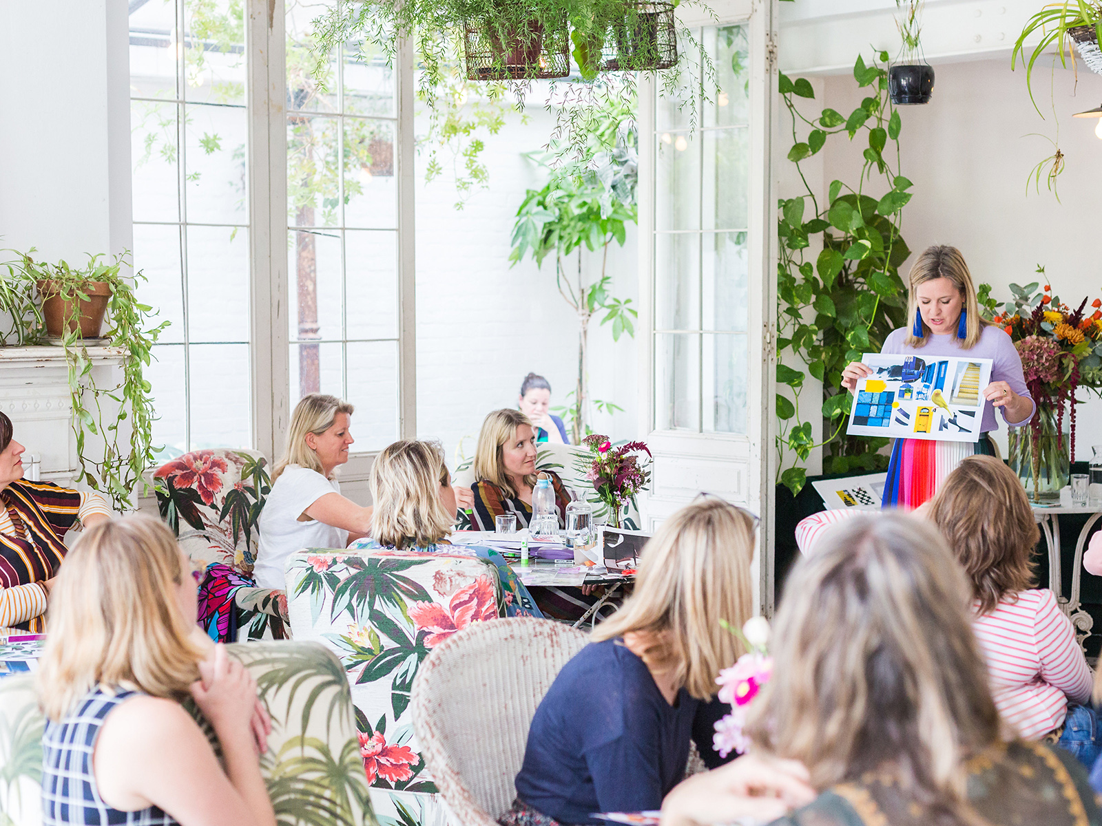 Interior designer sophie robinson jhosts her ban the beige colour workshop to empower people to colour scheme their homes like a queen