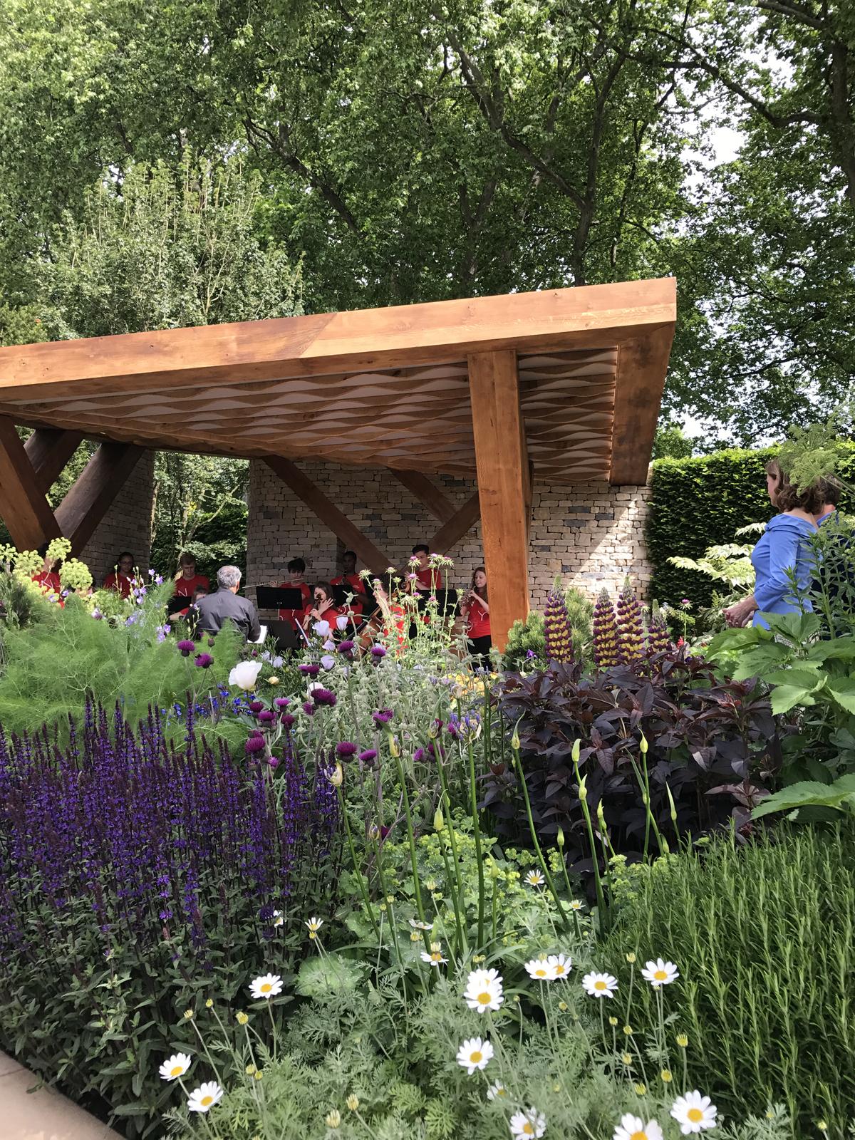 rhs chelsea flower show sophie robinson. Black Bedroom Furniture Sets. Home Design Ideas