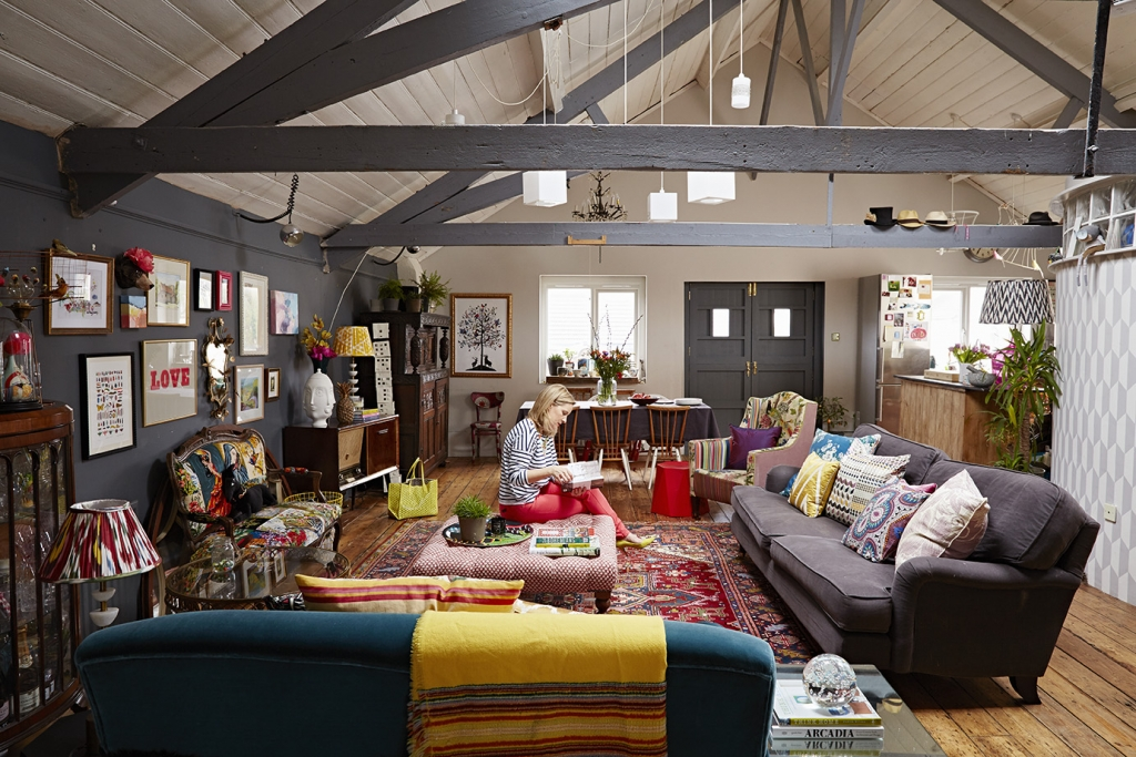 interior designer sophie robinsons open plan warehouse conversion in central brighton is full of flea market finds, upcycled furniture and pops of colour