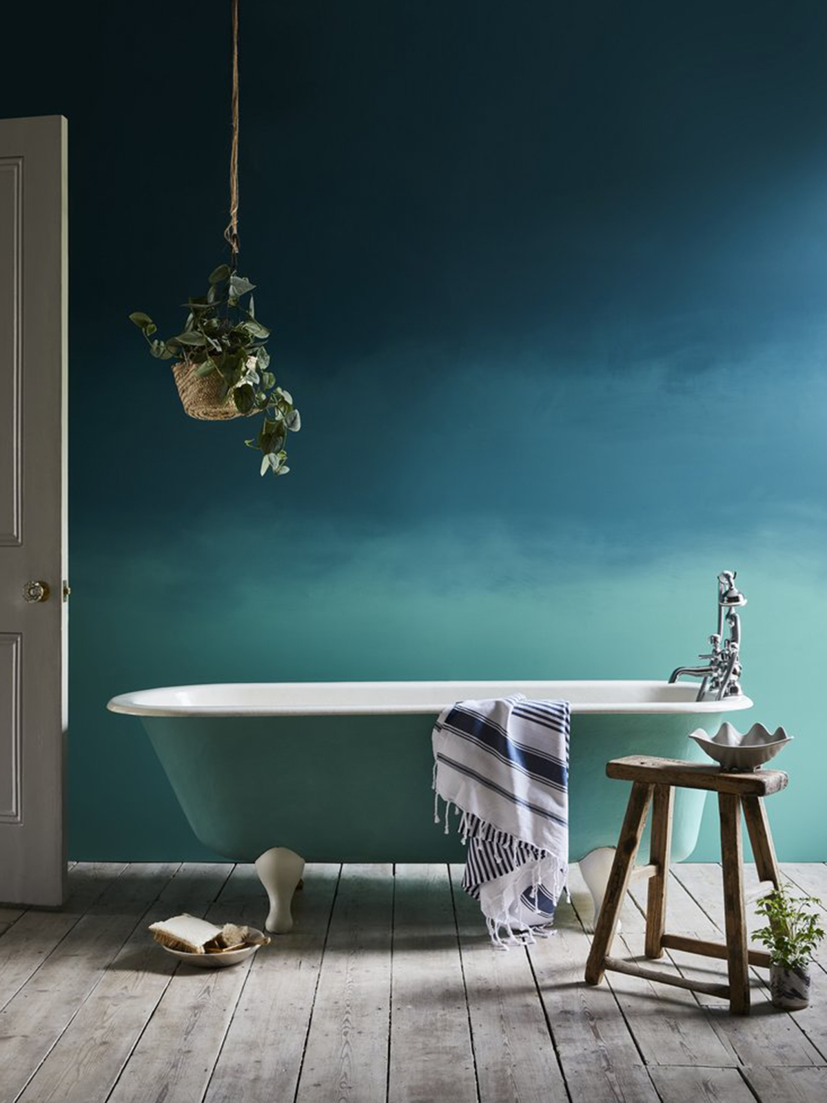 Ombre painted wall effect in Aubusson Blue Wall Paint and Provence Chalk Paint avaialble from Annie Sloan. Teal is the perfect interior design trend for your home decor as reported by interior designer Sophie Robinson by