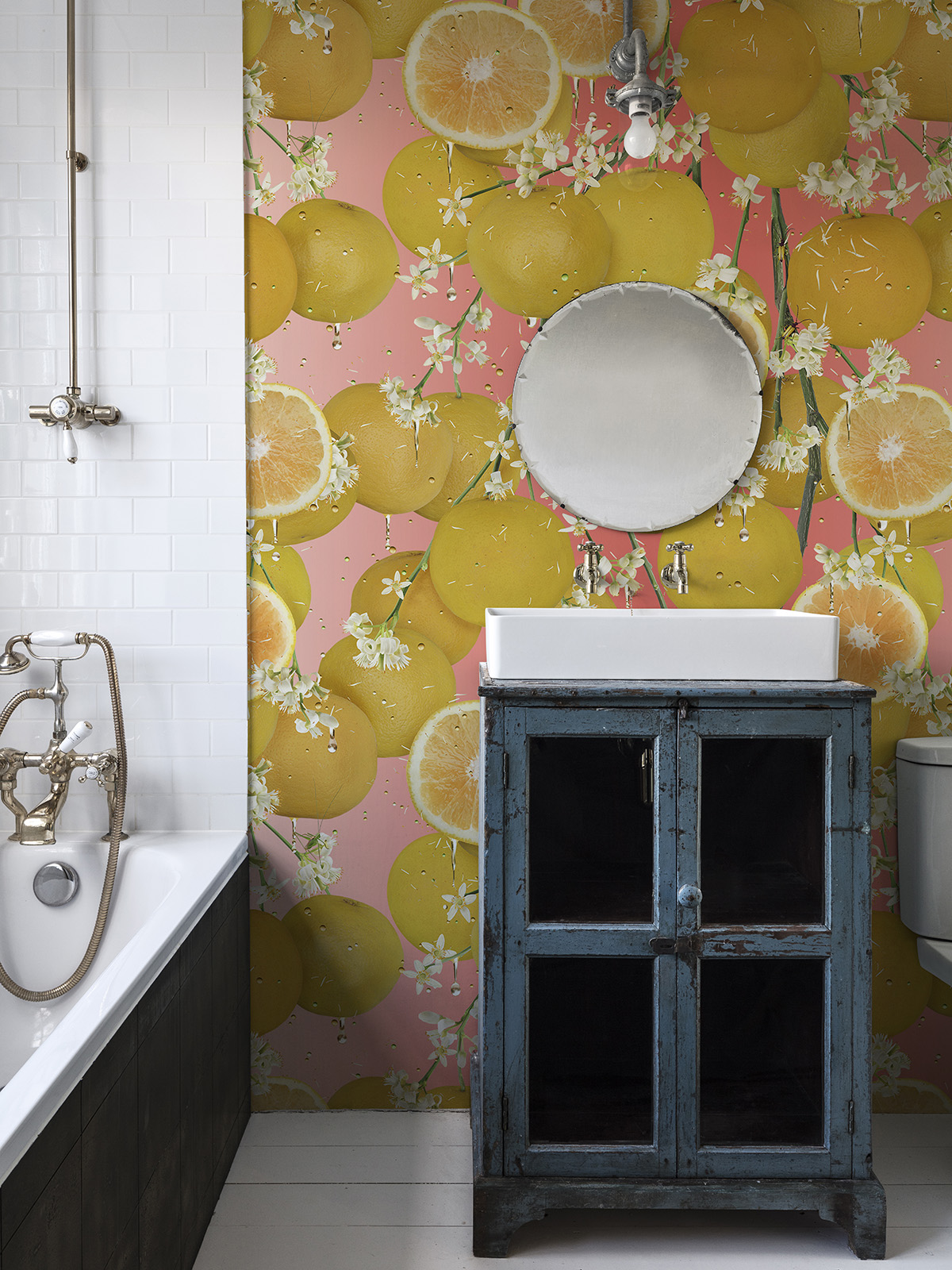Interior Designer Sophie Robinson discusses and advises on wallpaper in the bathroom. Whether an accent wall or all four walls the result can be quirky yet modern look. Choose a bold design for maximum impact #sophierobinson #bathrooms #wallpaper