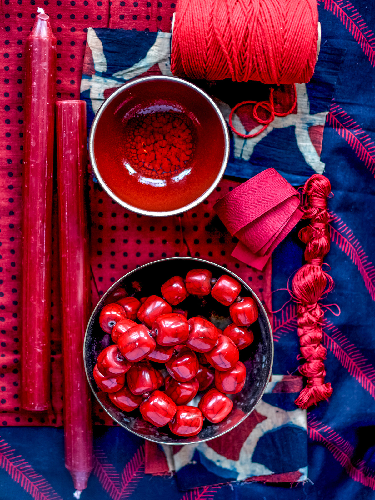 Interior designer Sophie Robinson interviews fellow colour queen Anna Starmer. Anna's still life photography illustrates her skill of using colours like this punchy royal blue and red combination #lovecolour #sophierobinson #AnnaStarmer