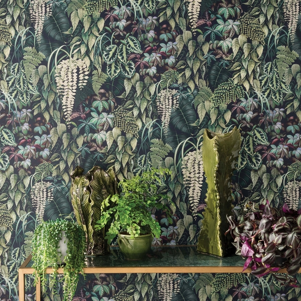 Interior designer and colour queen talk about the recent trend she's calling jungle chintz. This Osborne & Little bold botanical print wallpaper features large scale leaves in many forms