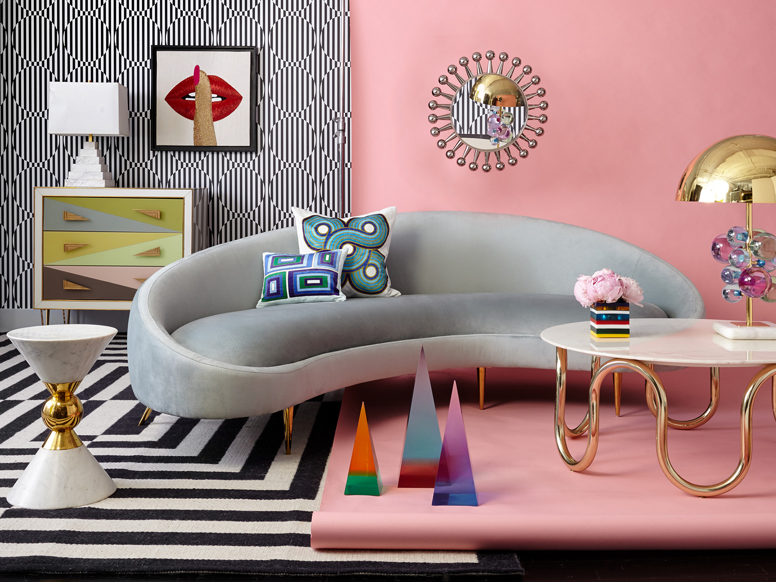 The ever creative Jonathan Adler celebrates and embraces curves in all forms. Interior Designer Sophie Robinson discusses one of the latest interior trends, curves and lozenge shapes. #sophierobinson #interiordesign #jonathanadler #curvedsofa