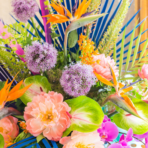 Exotic and colourful neon floral display by Kate Langdale for Sophie Robinson's Ban the Beige colour workshop. #sophierobinson #banthebeige #designerspotlight